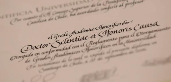 Grados Académicos Honoríficos