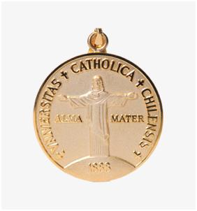 Medalla Dorada Centenario UC